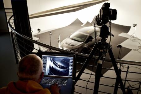 Wierdemannsheil: Der Fotograf taxiert von seinem Hochsitz aus die Frontpartie. Ist sie perfekt ausgeleuchtet, drückt er ab.