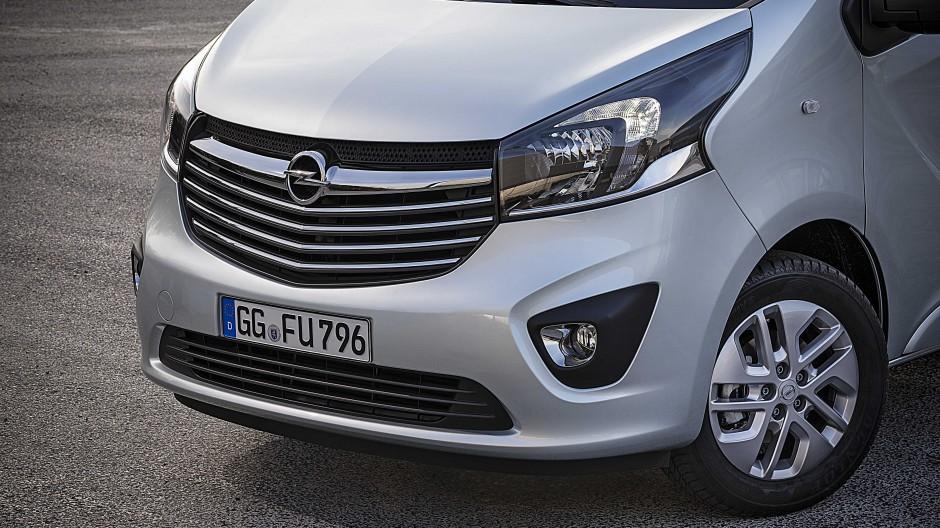 Unverkennbar Opel: Kühlergrill und Scheinwerfer lassen keinen Zweifel daran, aus welchem Hause der neue Vivaro stammt.