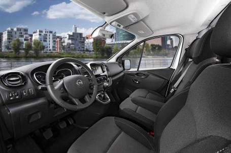 Moderner Arbeitsplatz: Das Interieur des Vivaro bietet dem Fahrer Qualität, Komfort und Funktionalität eines Pkw.