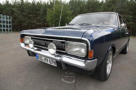 """Starker Auftritt: Für den Commodore standen die amerikanischen """"Muscle-Cars"""" Pate."""