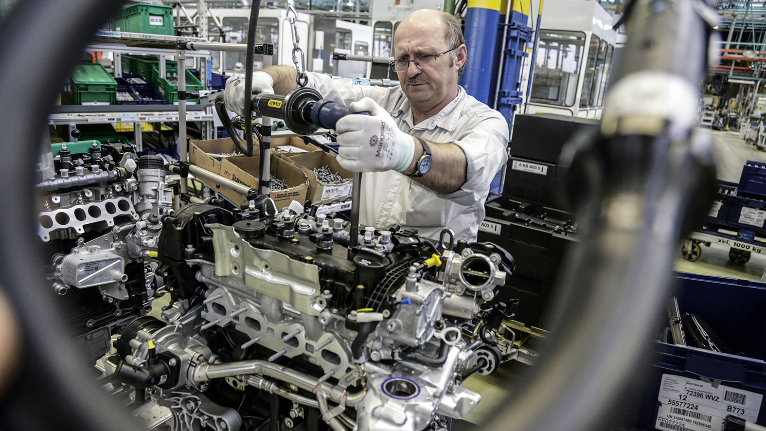 Euro 6 Motorenproduktion im Kaiserslauterer Opel Werk