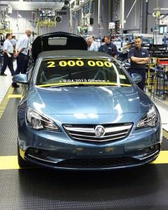 Holden Cascada – 9.04.2015 zjechał z taśmy dwumilionowy egzemplarz.