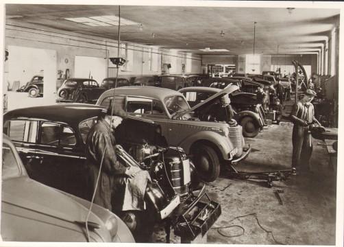 1939 bei Opel & Beyschlag in der Werkstätte