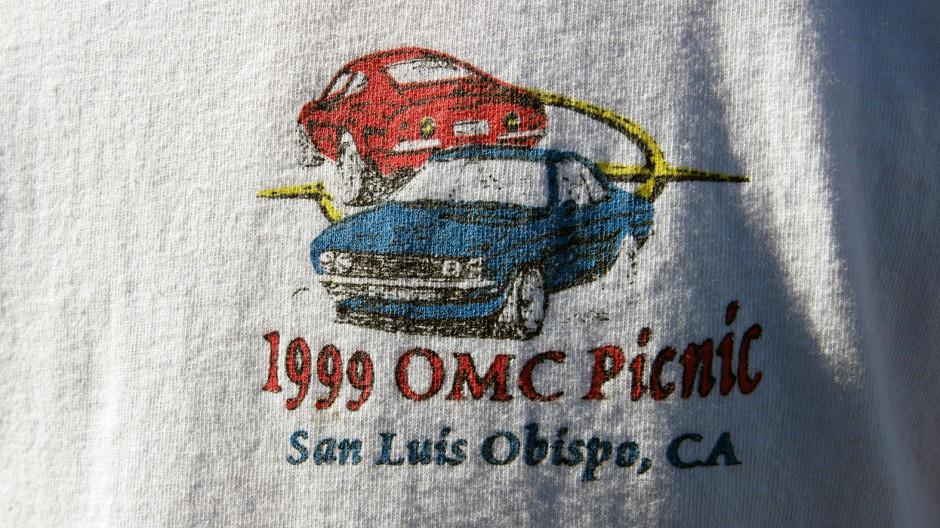 Andenken als T-Shirt: Das nationale OMC-Treffen des Jahres 1999 fand in San Luis Obispo, ebenfalls Kalifornien, statt.