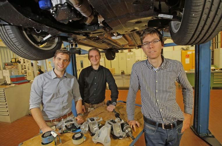 Reportage Opel Post Akustik Labor im Werk Rüsselsheim ,