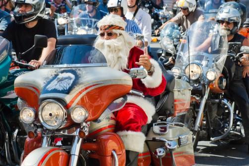 Mikołaj to rasowy motocyklista!