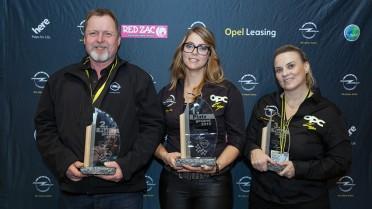 Die Sieger der Beifahrerwertung des OPC-Cups 2015 (v.l.n.r.): August Regner (2.), Tamara Schweiger (1.), Catharina Schmidt (3.)