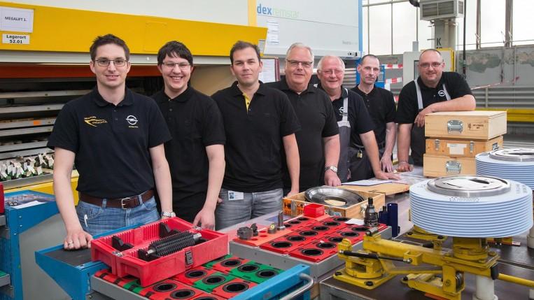 Das Toolmanagemt-Team des Getriebewerks Rüsselsheim.