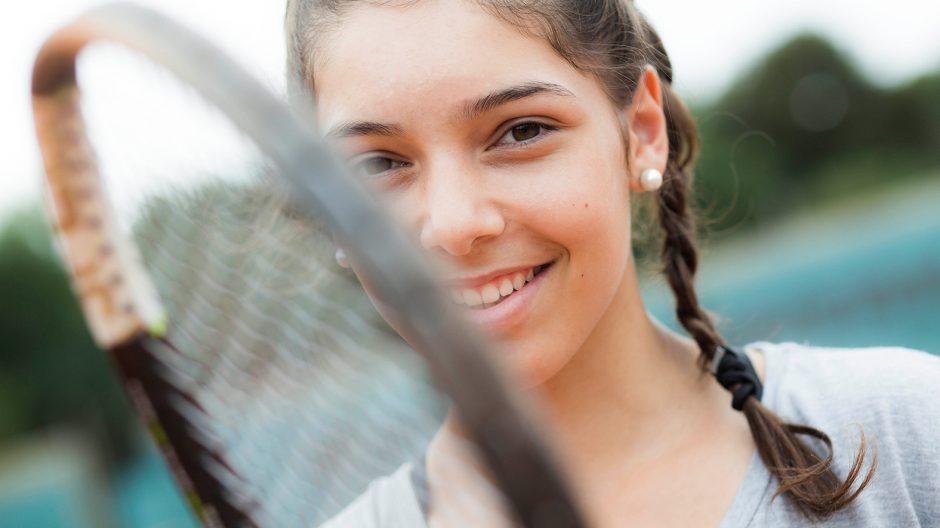 Portrait der neuen deutschen Tennishoffnung Selina Dal die von ihrem Papa Murat und dem Mentor , Tennislehrer Uwe Wingert, betreut wird und von Opel gesponsort wird