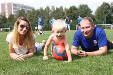 Dawid Spura z żoną i synkiem
