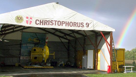2001 war Christophorus 9 noch in einem Zelt untergebracht