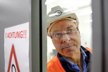 Reportage über die neue Motorenprüfstelle im Opelwerk Rüsselsheim