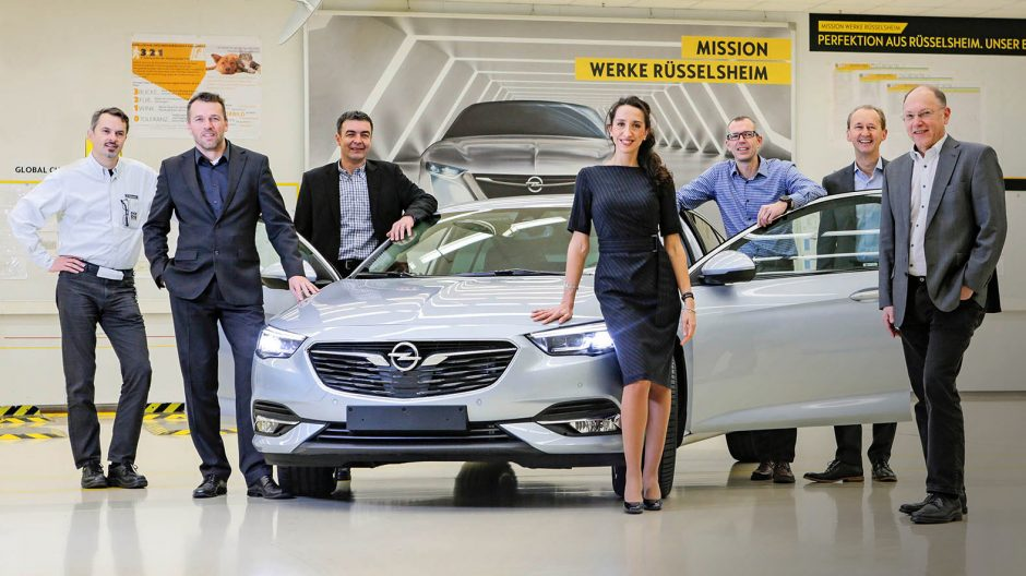 """Rüsselsheim , 05.12.2016, Portrait  """"Die MNacher hinter dem neuen Opel Insignia"""" , Foto: Alexander Heimann / Vollformat  Fotografie Dziemballa Heimann UG, Schäfergasse 5,  65428 R`heim, Fon 0177-5626350, Bankverbindung Kreissparkasse Gross Gerau BLZ. 50852553 , KTO. 16003352. Alle Honorare zzgl. 7% MwSt.  Steuer NR: 02137830174"""