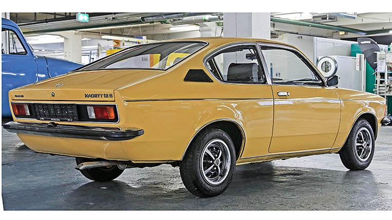 Opel Post Quiz , in der Classic Werkstatt mit Jens Cooper