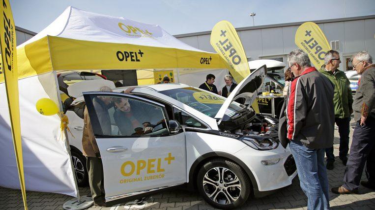Frühlingsfest bei Opel