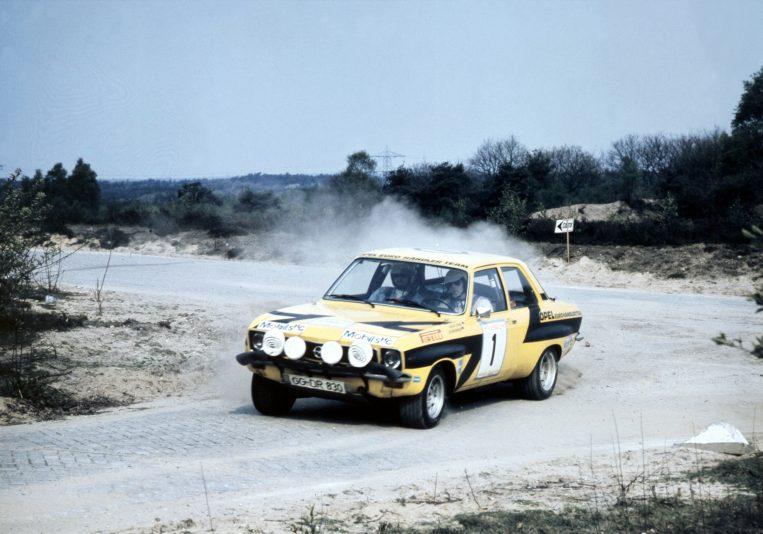 70939_Rallye Saison 1974, Röhrl & Berger bei der Tulpenrallye Kein anderes Auto zeigt sich in der Saison 1974 so ausgereift und solide wie der Opel Ascona A des Opel-Eurohändler-Teams