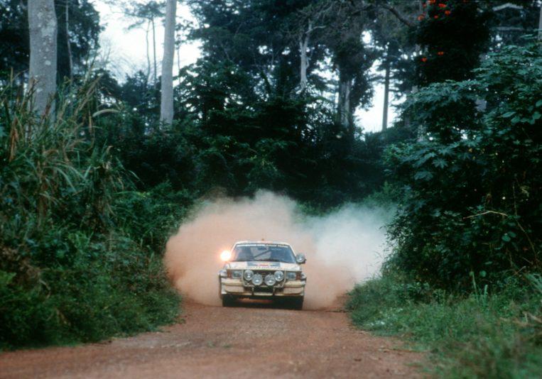 71026_Rallye Weltmeisterschaft 1982 Die Bandama an der Elfenbeinküste bringt die Entscheidung und Opel die Weltmeisterschaft 1982. Walter Röhrl und Christian Geistdörfer auf Opel Ascona B