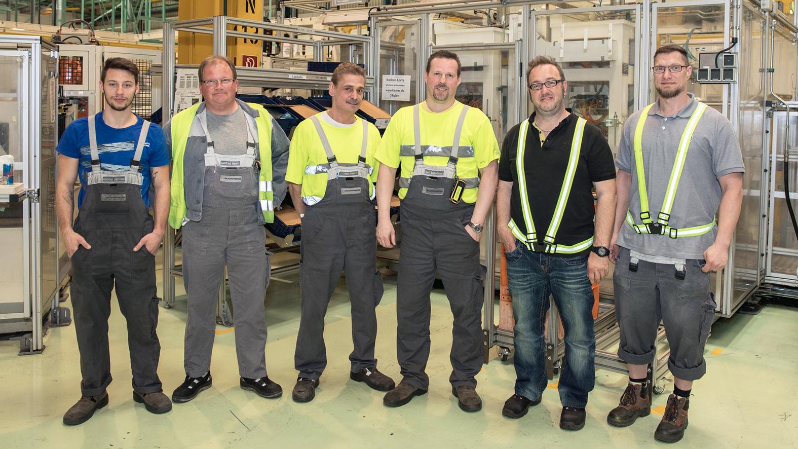 Teamgeist wird im Bereich Material Handling groß geschrieben (v.l.n.r.: Sebastian Dürrwald, Gottfried Hauer, Johann Trenz, Kurt Bernscherer, Michael Leitgeb, Peter Brzobohaty)