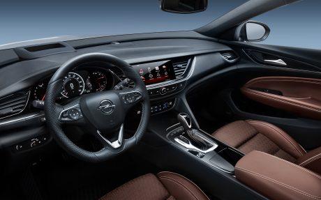 01_Opel-Insignia-Country-Tourer-304064