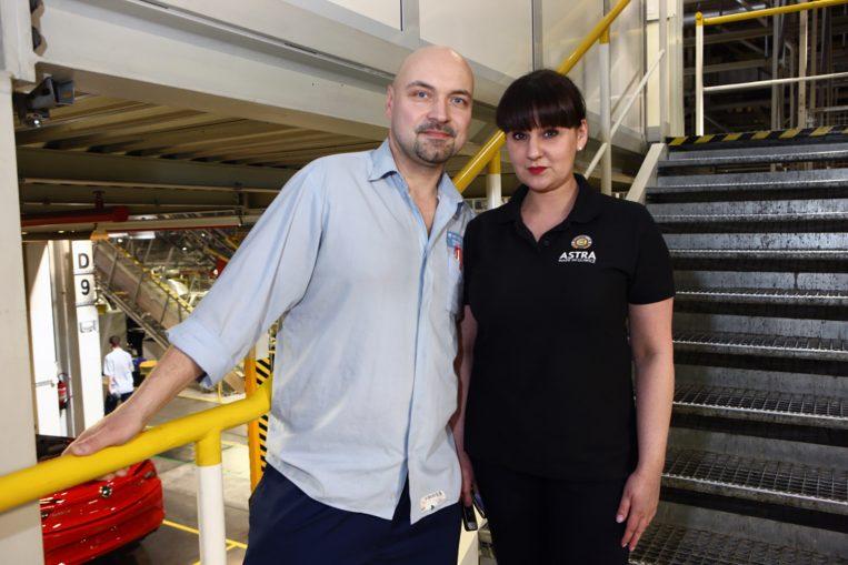 Z mężem Pawłem, który też pracuje w Oplu.