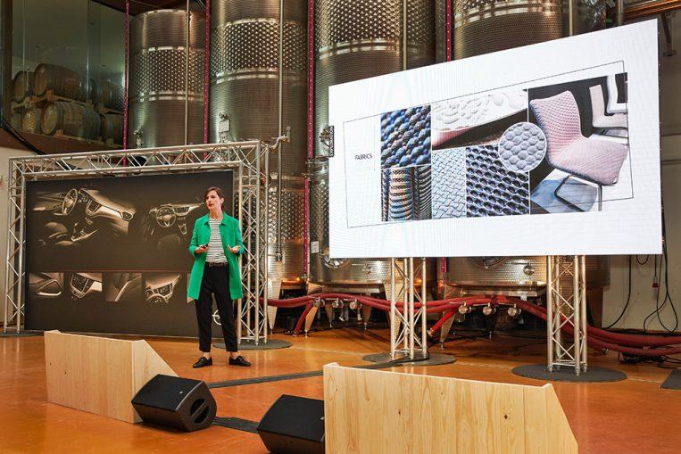 Chefdesignerin Color&Trim Belinda Günther erklärt, wie die Opel-Designphilosophie beim Crossland X mit raffiniertem und zugleich robustem Styling weitergeführt wurde.