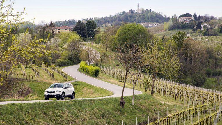 Unterwegs auf der Weinstraße: Offiziell heißt die Straße »Strada del Prosecco e Vini dei Colli Conegliano Valdobbiadene«, aber so nennt sie wohl nur der zuständige Verwaltungsbeamte.
