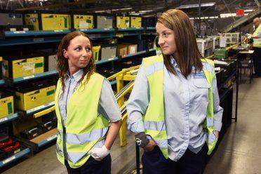 Swoją przyszłość obie wiążą z firmą, która daje im poczucie stabilizacji i przewidywalności.