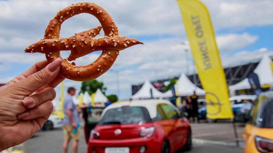 Aufgebrezelt   Die große Opel Meile entlang der Mainzer Straße: High-Tech und visionäre Ingenieurskunst made in Hessen – seit mehr als 150 Jahren.