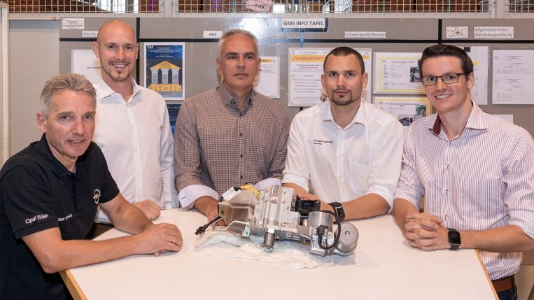 Zvonimir Facol/Leiter Quality Engineering mit seinen Qualitätsingenieuren (v.l.n.r.: Michael Hanreich, Florian Prinz, Zvonimir Facol, Christian Dallinger, Alfred Menschik).